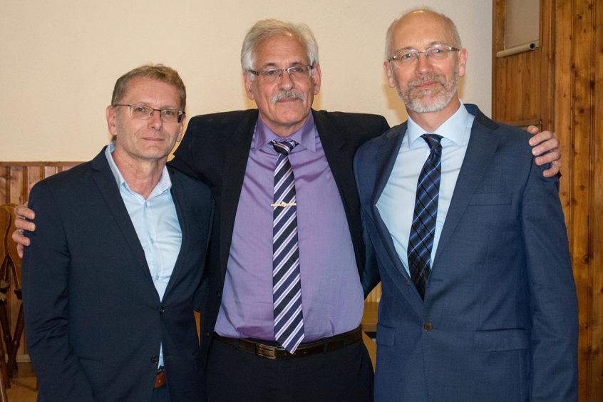 Die alte und die neue Doppelspitze vereint (v.l.n.r.): Johann Kienböck mit Dr. Heinz-Peter Sedlmaier und dessen Nachfolger Dr. Willibald Prügl.