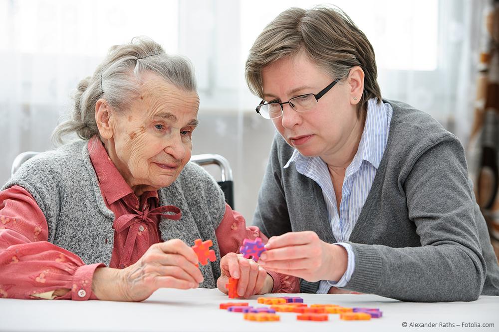 """Der ehrenamtliche Besuchsdienst ist Teil des Projekts """"Menschen mit Demenz im Krankenhaus"""" (Foto: Alexander Raths - Fotolia.com)"""