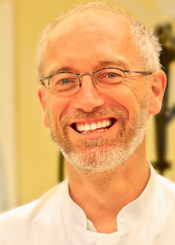 Chefarzt Dr. med. Willibald Prügl, Facharzt für Innere Medizin, Rettungsmedizin