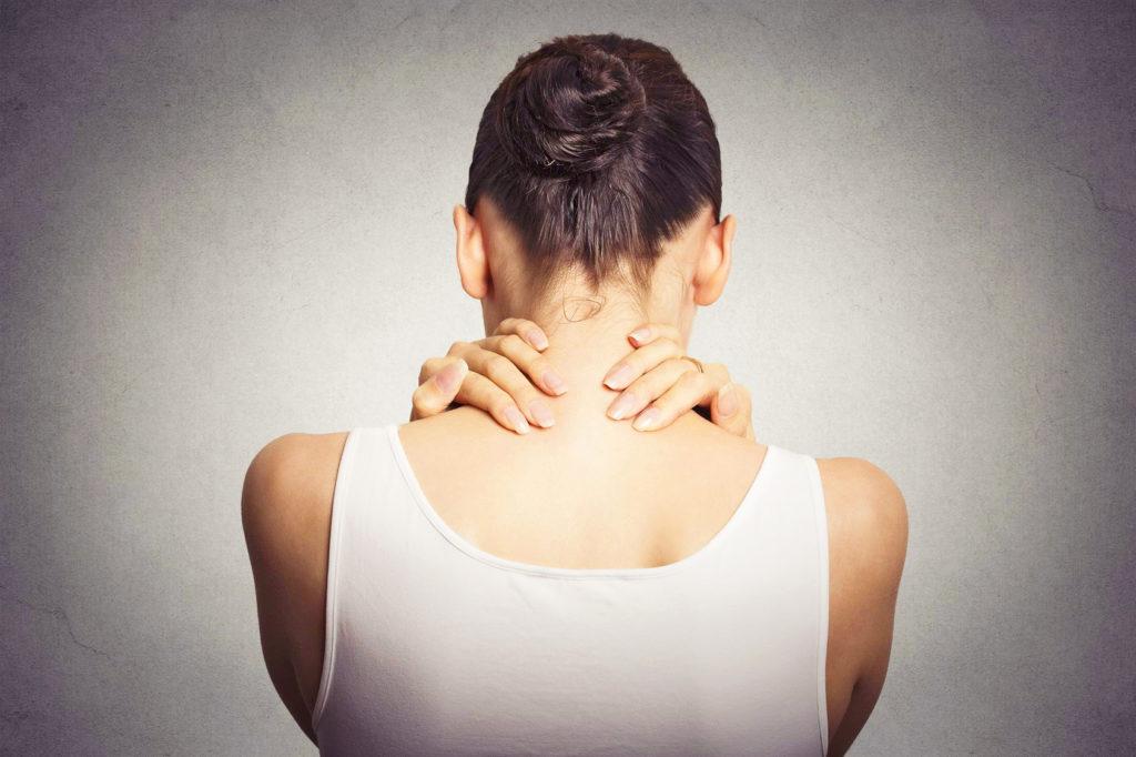 Millionen von Menschen leiden an chronischen Schmerzen – bis zur richtigen Therapie kann es aber Jahre dauern. (Foto: pathdoc, fotolia)