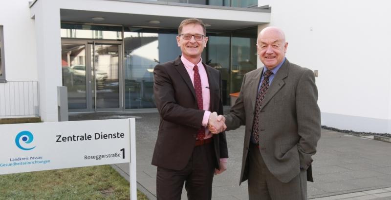 Ab 1. Januar 2018 haben die Landkreis Passau Gesundheitseinrichtungen wieder eine Doppelführung: Josef Mader (l.) wird neben Herbert-M. Pichler neuer Geschäftsführer der GmbH.