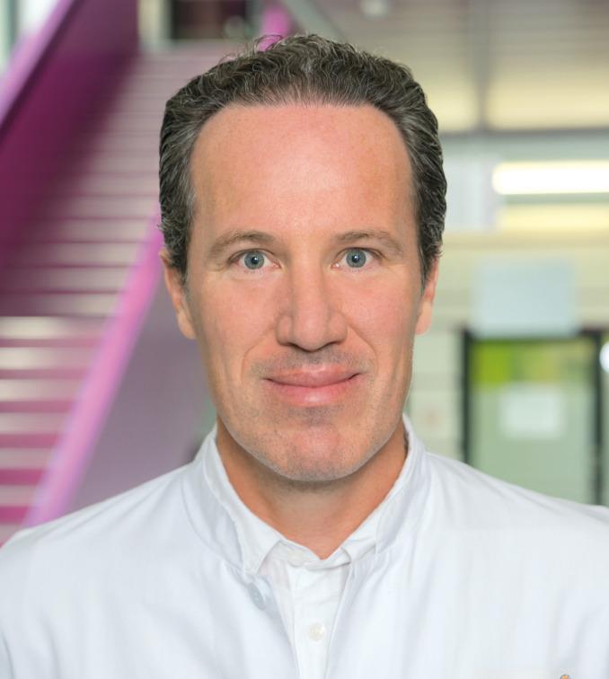 Chefarzt Priv. Doz. Dr. med. habil. Bernhard Walter